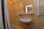 Nr. 5 dvivietis kambarys su dušu, WC, balkonu