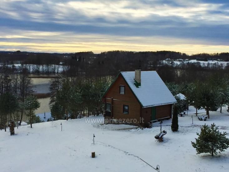Svečių namelis žiemą