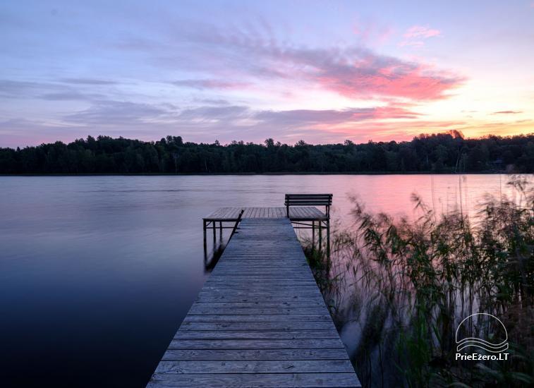 Sodyba ant ežero kranto 5 stories: pirtis, sūpynės vaikams, žūklė - 5