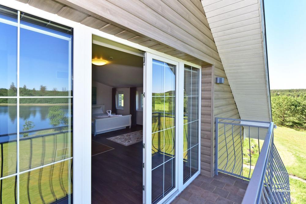 Jaunavedžių apartamentai - vaizdas iš balkono