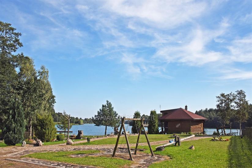 Sodyba 5 km nuo Trakų ant ežero kranto poilsiui ir šventėms: pirtis, salė, kambariai - 3