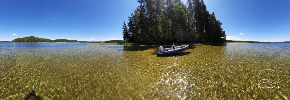 Poilsiavietį ant ežero kranto