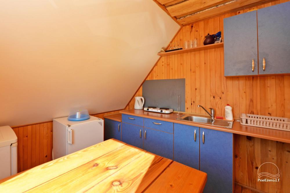 Numeriai su atskirais įėjimais, virtuvėmis pagrindiniame name