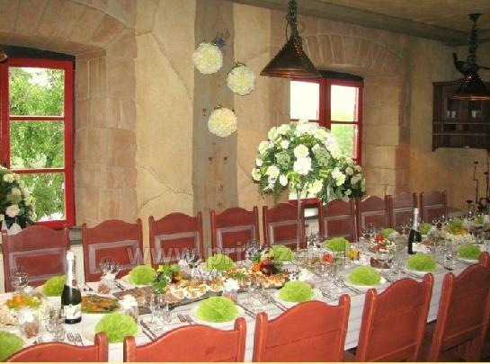 "Restoranas ""Stulpino malūnas"": 50 vt. pobūvių, 30 vt. konferencijų salės - 11"