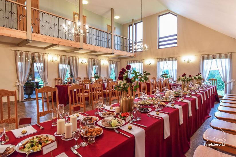 Didysis namas su 70-80 vietų sale (150 m2), miegamaisiais, didele terasa