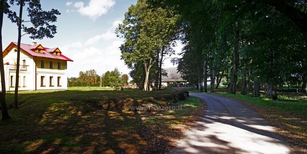 Svečių namai ir kempingas Latvijoje Leču muiža - 3