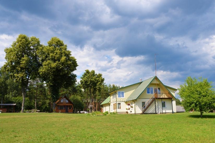 Apartamentai 4-12 žmonių šeimos ar kelių šeimų poilsiui.