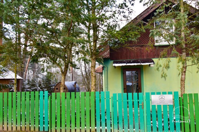 """""""MEDAUS APARTAMENTAI"""" SU PIRTIMI dviems gamtoje šalia Trakų prie ežero - 2"""