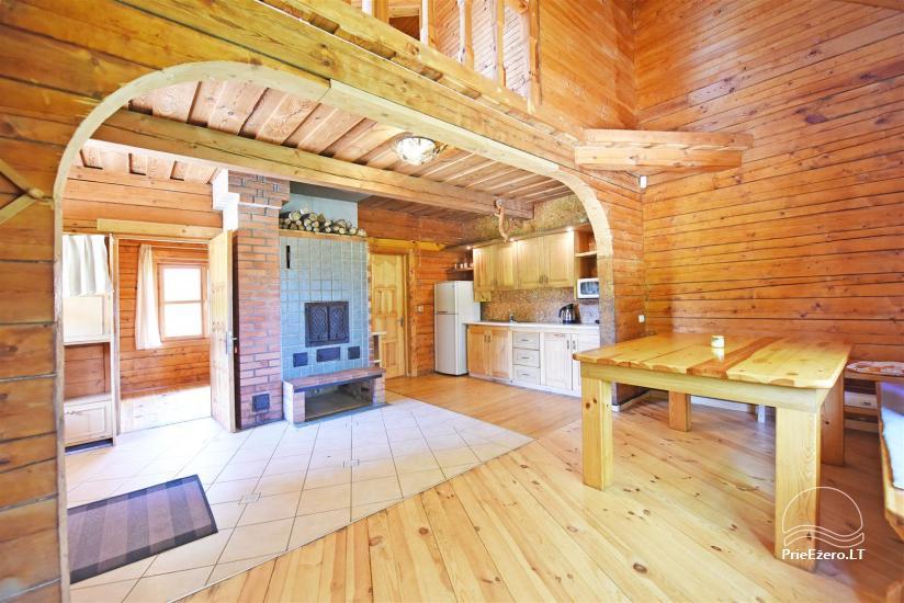 48 – Rąstinis namelis su visais patogumais 4-6 asmenų šeimos poilsiui