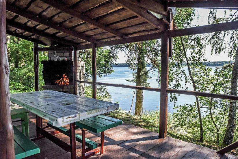 Nameliai Molėtų rajone Pušų pavėsyje, prie Arino ežero - 2