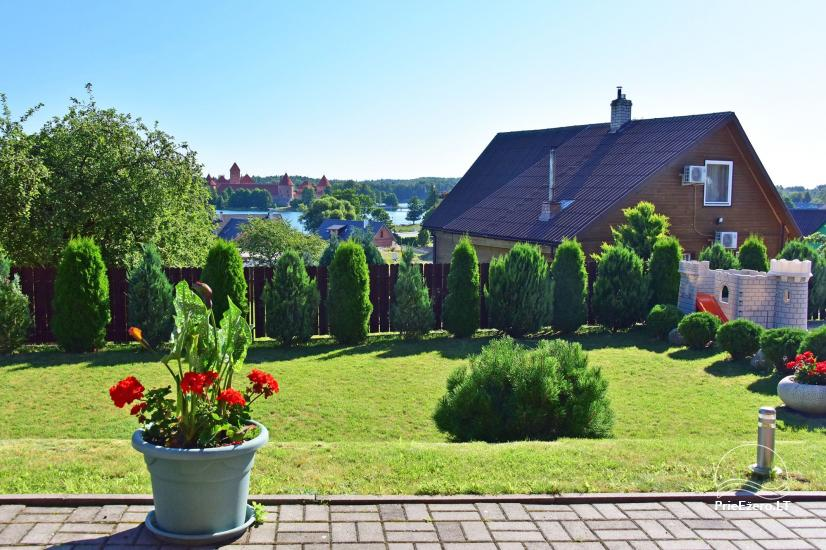 Svečių namai Trakuose PANORAMA – kambariai, apartamentai, salė, pirtis kiemas su vaizdu į Trakų pilį - 10