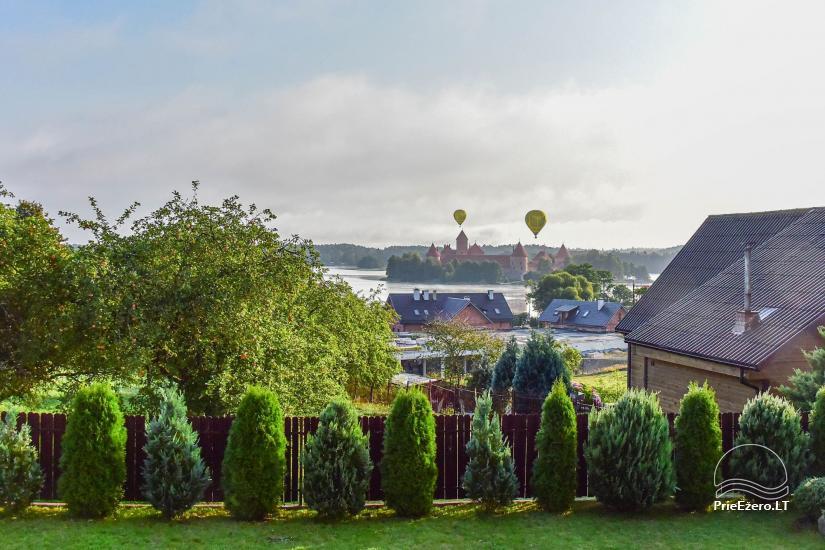 Svečių namai Trakuose PANORAMA – kambariai, apartamentai, salė, pirtis kiemas su vaizdu į Trakų pilį - 12