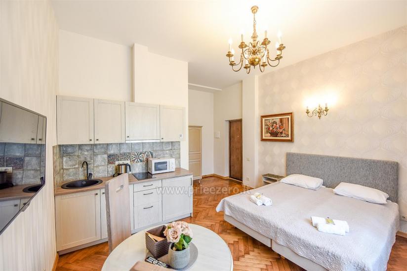 KUBU svečių namai Klaipėdoje. Moderniai įrengti apartamentai, yra sukūrinė vonia, pirtis - 12