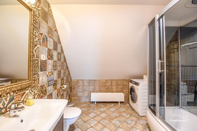 KUBU svečių namai Klaipėdoje. Moderniai įrengti apartamentai, yra sukūrinė vonia, pirtis - 47