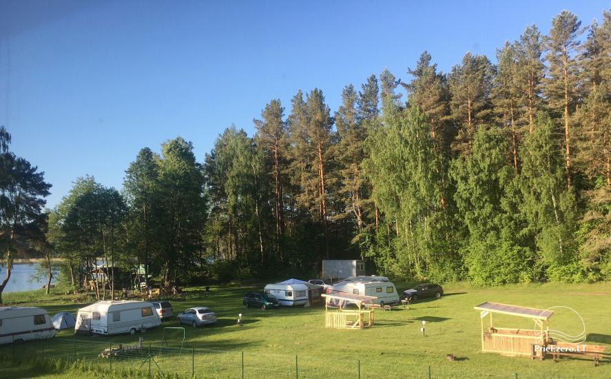 Juodakampio stovyklavietė ant Siesarties ežero kranto - 2