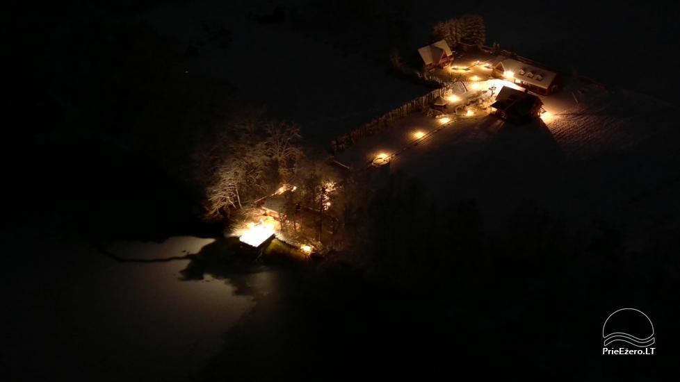 """Sodyba """"Vila Baluošas"""" ant ežero kranto netoli Vilniaus poilsiui, vestuvėms ir kitoms šventėms, renginiams - 50"""