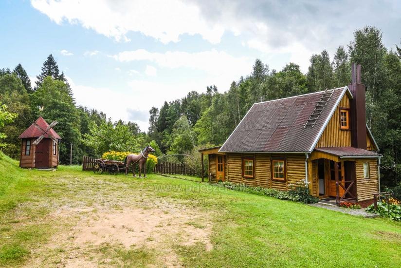 Sodyba tarp upės ir ežero Plungės rajone - 16