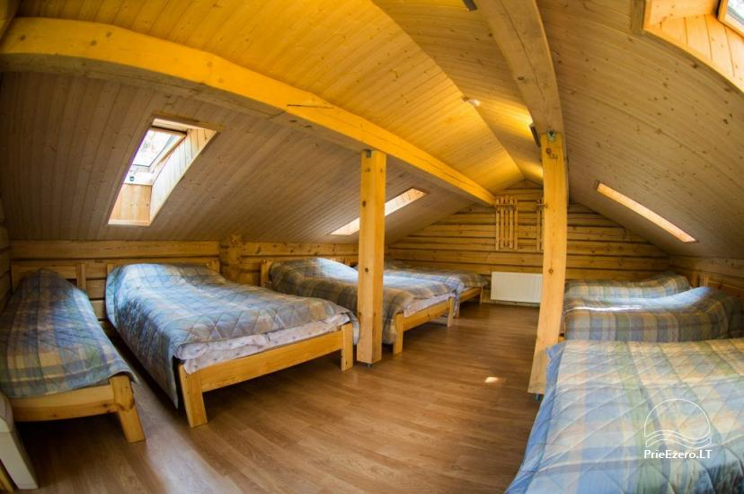 Dvylikos vietų kambarys