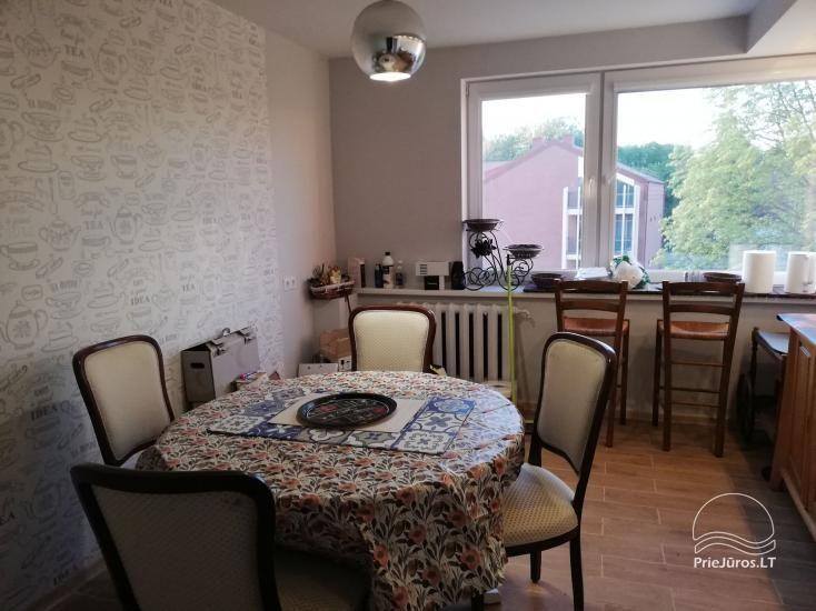 Nuomojamas modernus butas Rusnėje su terasa (iki 6 svečių). Miestelis tinka žvejybai - 7