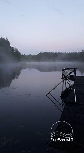 Sodyba ir pirtis ant ežero kranto Labanoro girioje - 20
