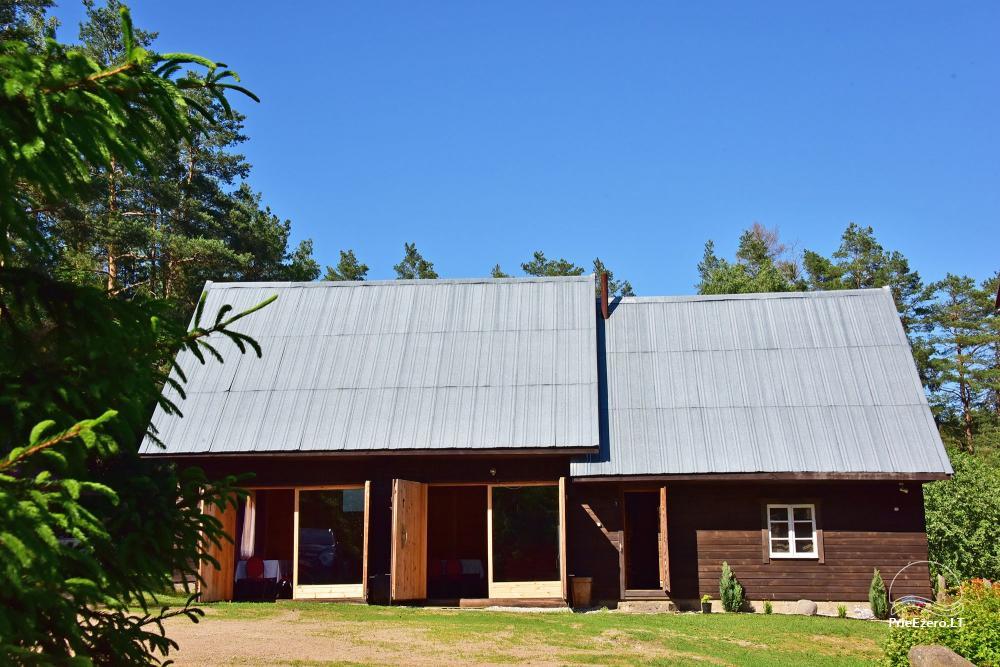 Namas 100 m nuo ežero šventėms su sale ir miegamaisiais