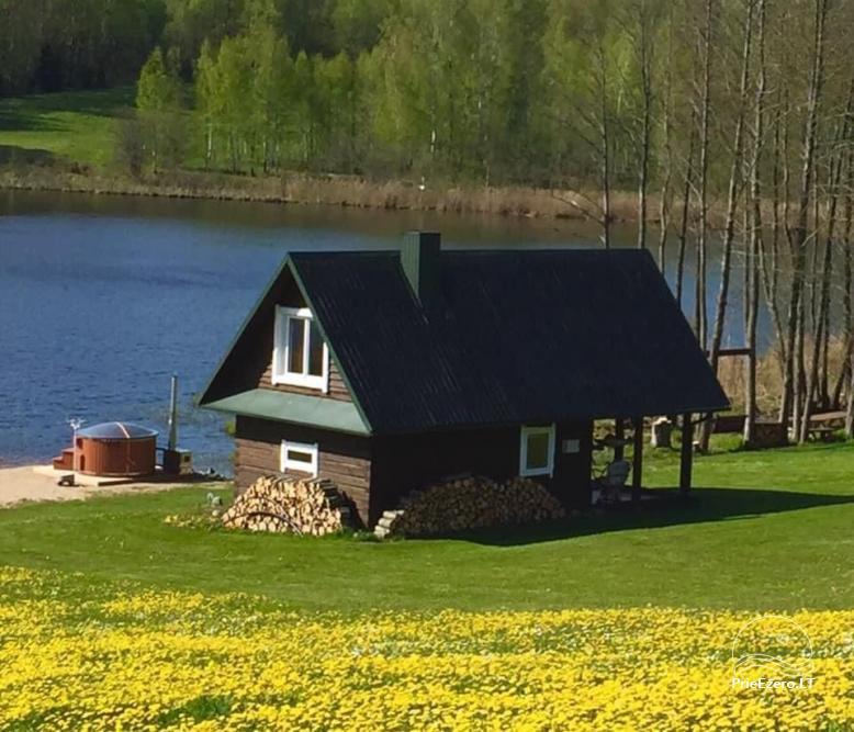 Privati sodyba Utenos raj.  VillaRedvita ant ežero kranto.  Be kaimynų. - 1