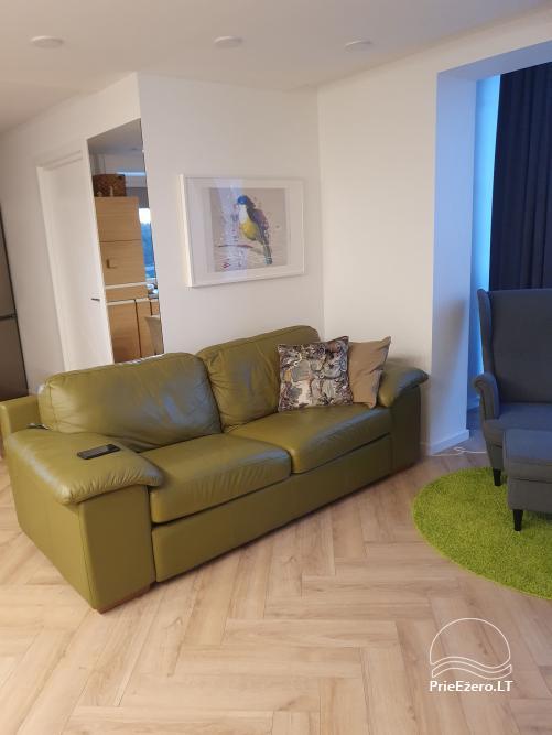 73 kv. metrų apartamentai: du miegamieji ir svetainė su virtuve - 2