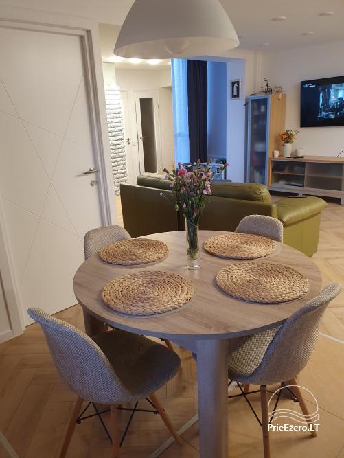 73 kv. metrų apartamentai: du miegamieji ir svetainė su virtuve - 1