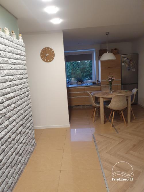 73 kv. metrų apartamentai: du miegamieji ir svetainė su virtuve - 3