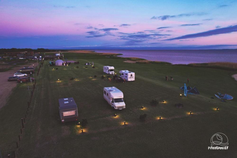 Fenas Kite Spot kempingas ant Kuršių marių kranto Svencelėje - 1