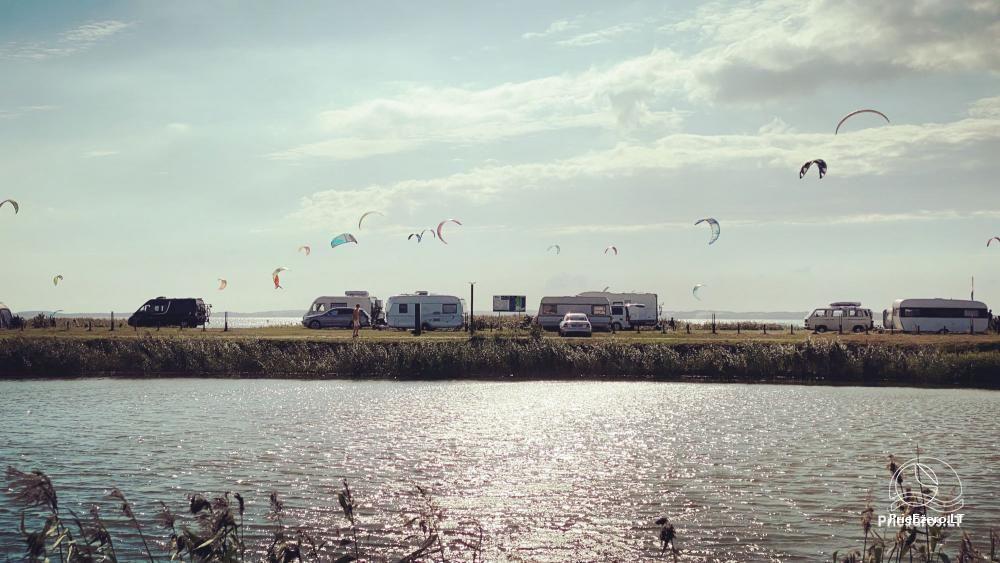 Fenas Kite Spot kempingas ant Kuršių marių kranto Svencelėje - 9