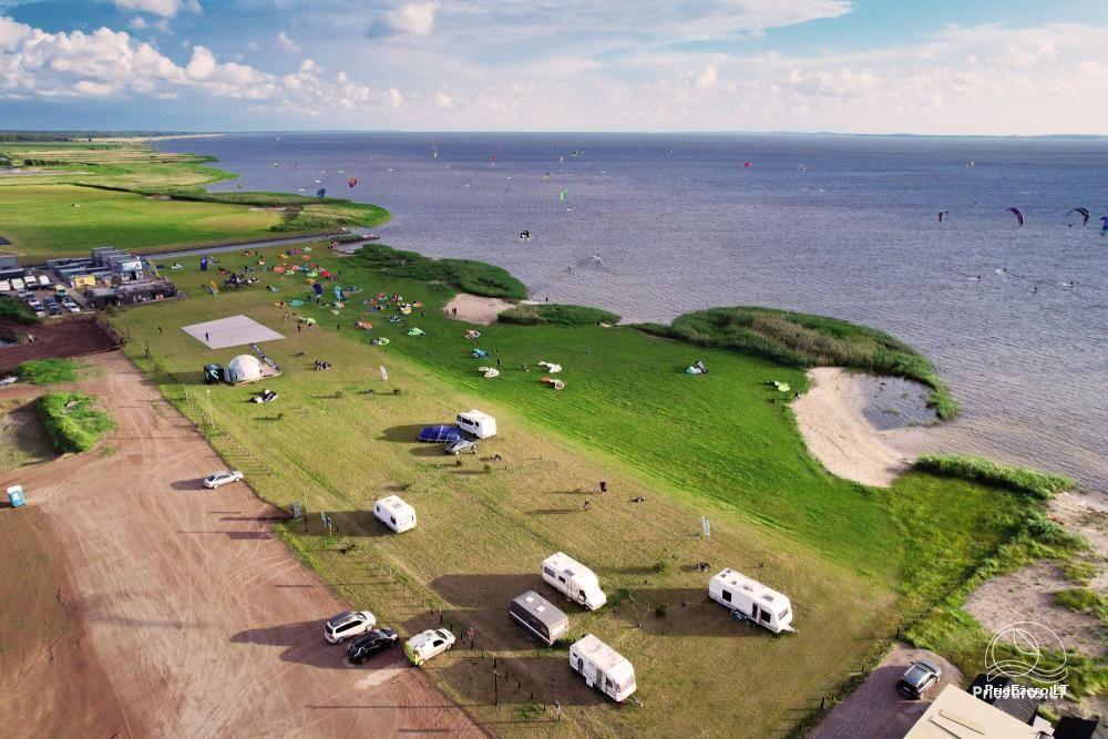 Fenas Kite Spot kempingas ant Kuršių marių kranto Svencelėje - 10