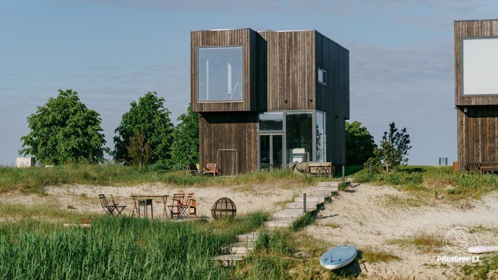 Išskirtinės architektūros namas Svencelėje netoli Kuršių Marių kranto su nuosavu smėlio paplūdimiu - 1