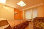 Nr. 1 butas - miegamasis su dvigule lova