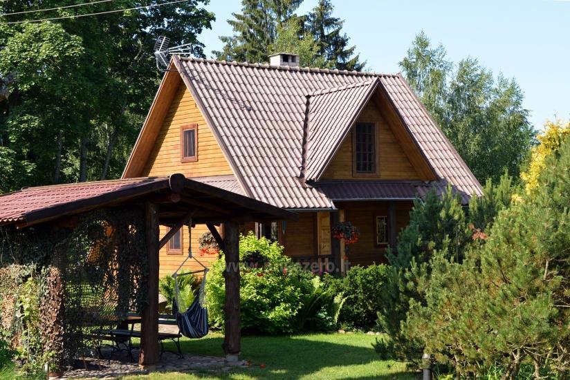 Antras namelis 100 metrų nuo ežero