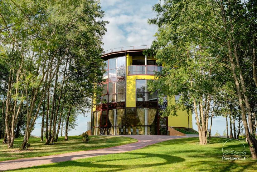 Sodyba Župė 7 km nuo Klaipėdos. Yra banketų salė, pirtis su šildomu baseinu, židiniu ir terasa ant tvenkinio kranto - 16