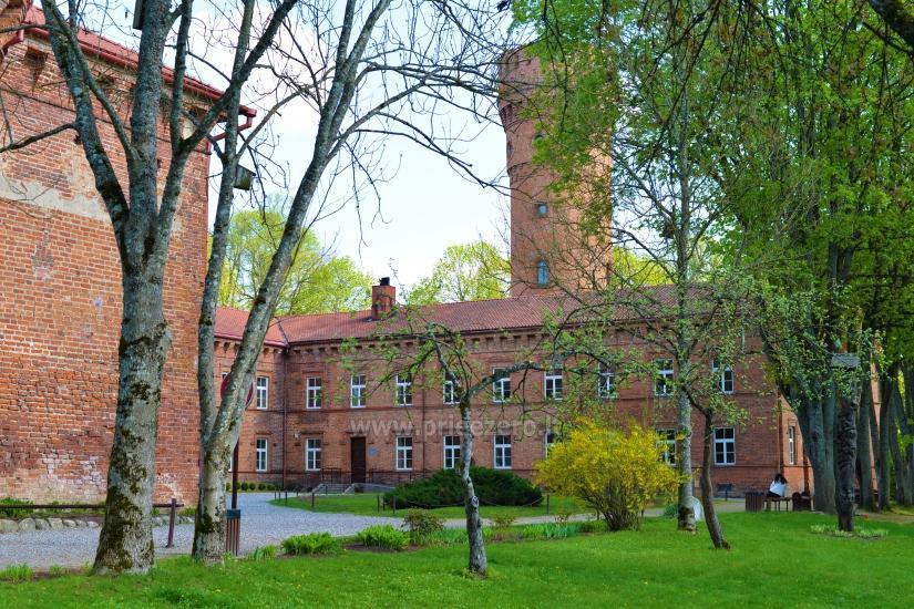 Raudonės pilis ir pilies parkas - 7