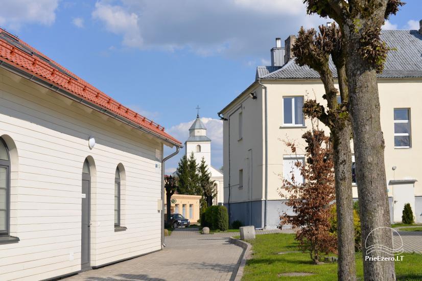 Veliuona - piliakalniai, miestelio aikštė, muziejai - 7