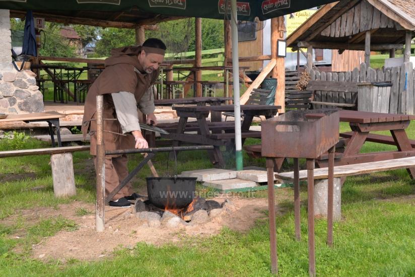 Edukacinė programa - žuvienės (tautinis paveldas) virimas Ignalinos rajone Gaidelių sodyboje - 2