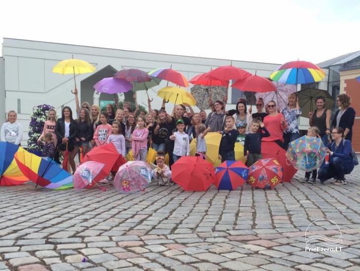 Klaipėdos jaunimas kviečia išsitraukti skėčius - 1