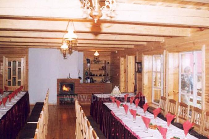 18 vietų ir 40 vietų salės nuoma, pirtis ant ežero kranto Aukštadvaryje Antano Bielinio sodyboje - 10