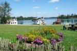 Pramogos Įlankos sodyboje: pirtys, pramoginis laivas, valtys, vandens dviračiai, paplūdimys...