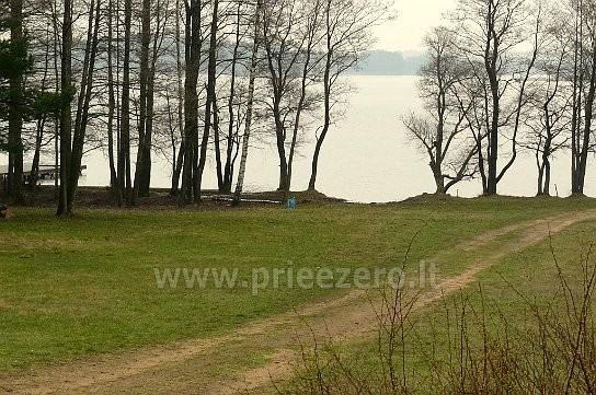 Baidarių ir valčių nuoma, žvejyba Molėtų rajone prie Bebrusų ežero įsikūrusioje poilsio bazėje RŪTA - 13