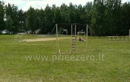 Visus metus veikianti poilsio bazė prie Bebrusų ežero Molėtų rajone RŪTA - 15