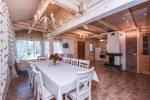 Pagrindinis rąstinis namas su virtuve - 6