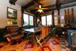 13 vietų namas: svetainė-valgomasis, virtuvė, 5 miegamieji, terasa, balkonai, WC - 10