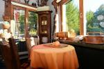 13 vietų namas: svetainė-valgomasis, virtuvė, 5 miegamieji, terasa, balkonai, WC - 14