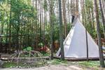Indėniška palapinė Tipi (vigvamas) ir medžiuose kabančios palapinės - 1