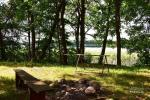 Stovyklavietė ant ežero kranto - 28